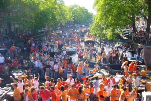 queens day amsterdam 1
